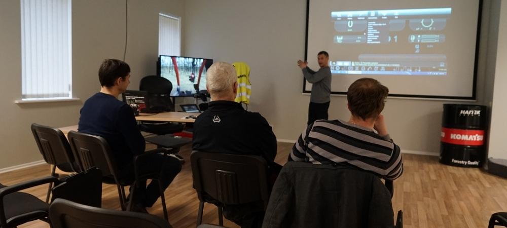 Pirmā Baltijā – Komatsu meža mašīnu apmācību klase
